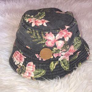 Billabong reversible sun hat 🌞